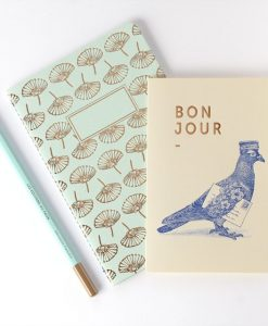 Carte Bonjour Love is in the Air Les Editions du Paon