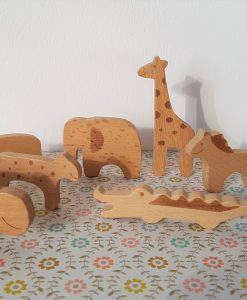 Figurines animaux en bois – lot de 8